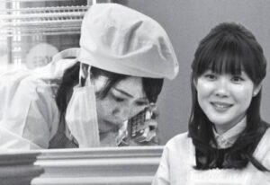 洋菓子店で働く小保方晴子